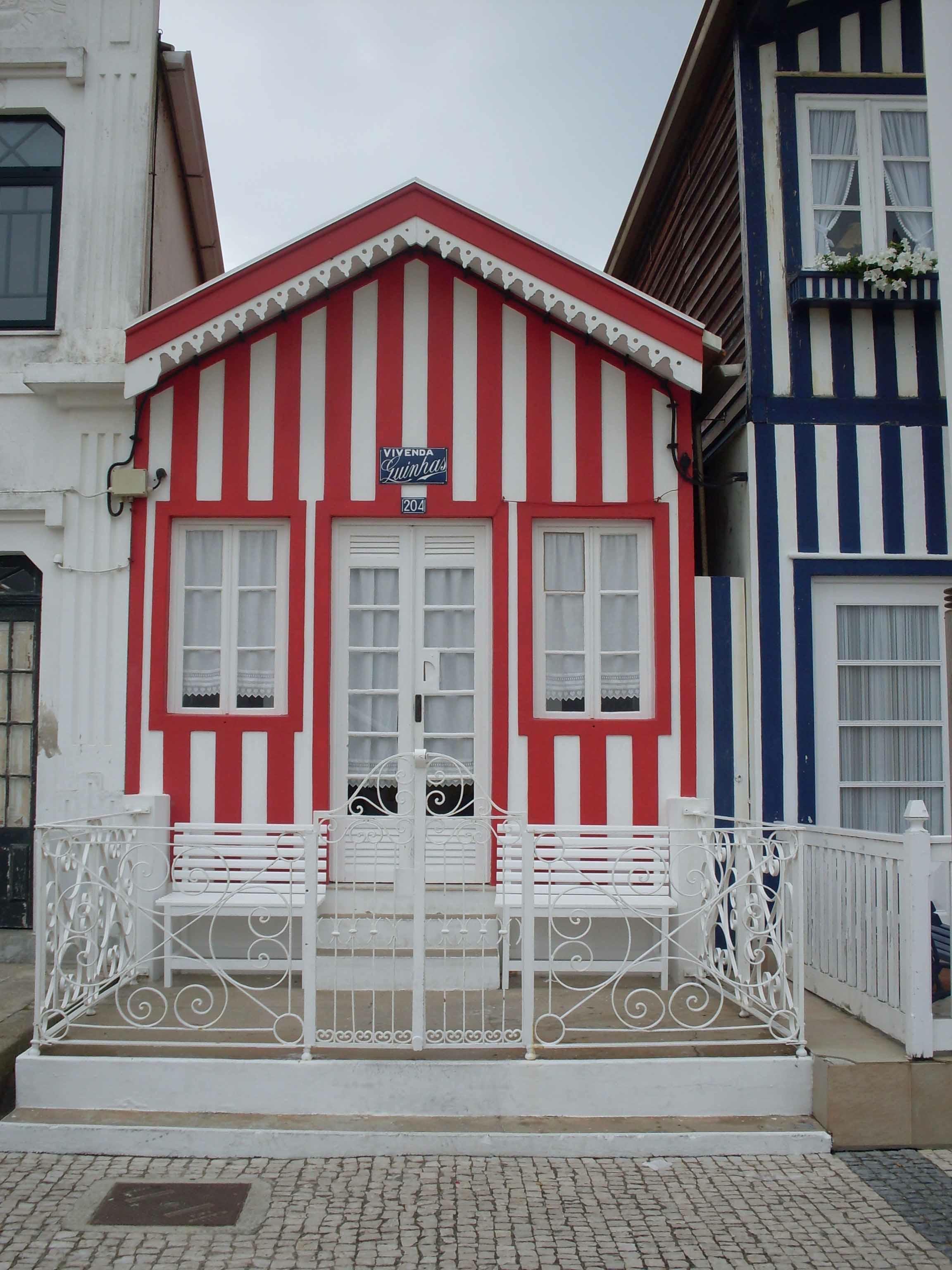 Portogallo metaviaggi - Facciate di case colorate ...